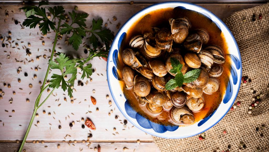 Caracoles en salsa de almendras